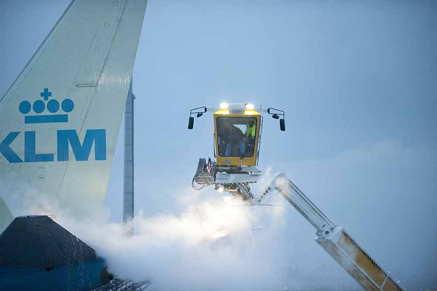 Mobiele reiniging De-icing vliegtuigen Schiphol