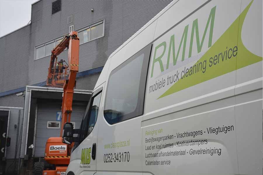 Mobiele reiniging Over RMM